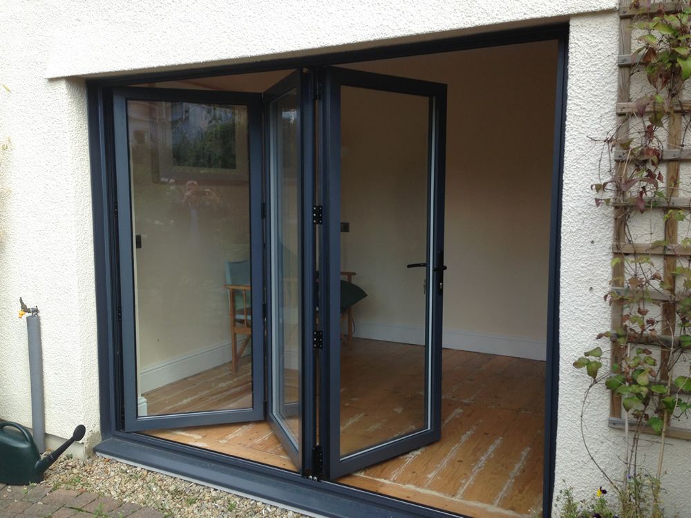 Bi folding doors birmingham solihull west midlands for 18 bifold door